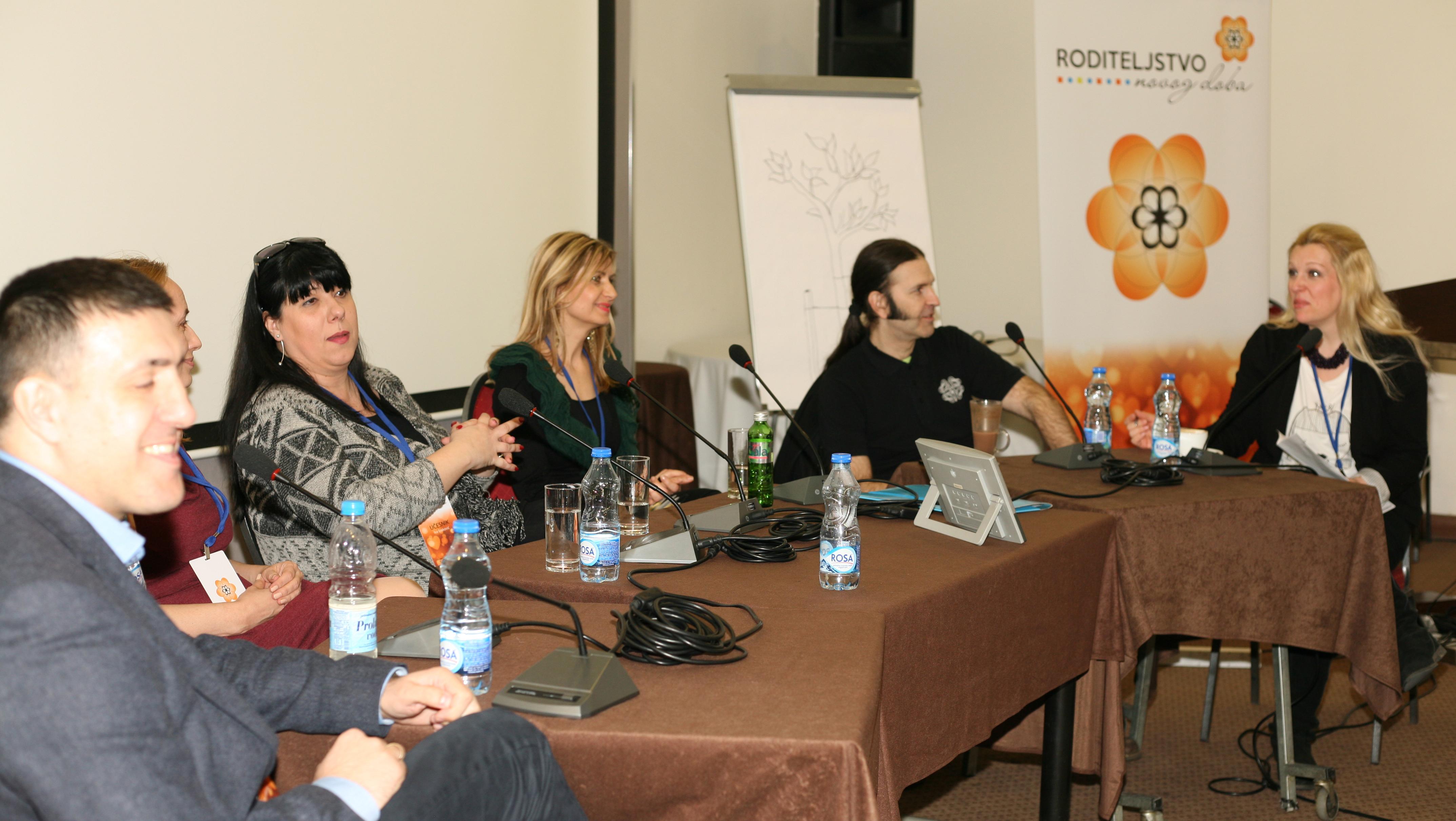 panel I festival Roditeljstvo novog doba