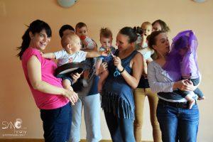 Mame i bebe: Ko ovde više uživa?