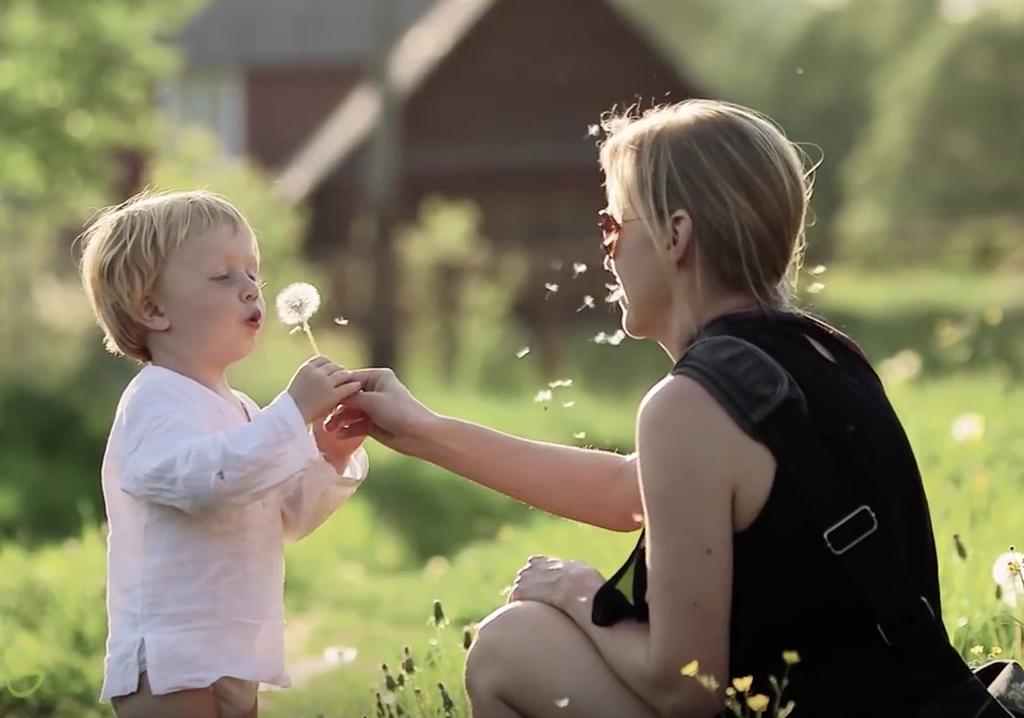 Elena Šumilova: Magični prizori dece i domaćih životinja